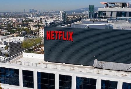 "Netflix buys its first games studio, ""Oxenfree"" developer Night School"