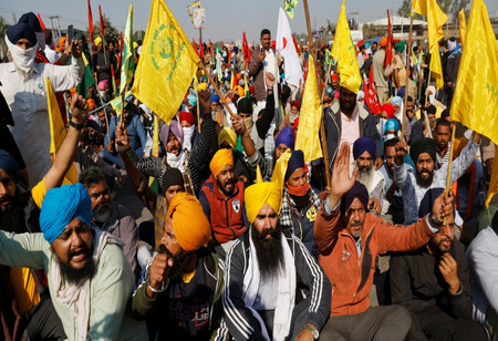 Farmers' Unions Welcome SC Order, But to Continue with Their Protests until Laws are Repealed