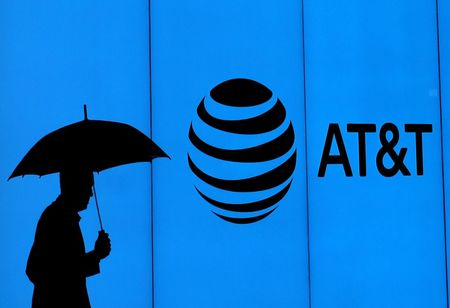 Indian Smartphone Makers to Aid US Telecom to Produce Budget Phones